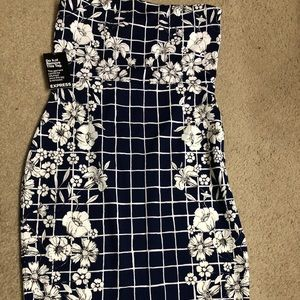 Brand New stretchy Navy and White Dress Size 12!